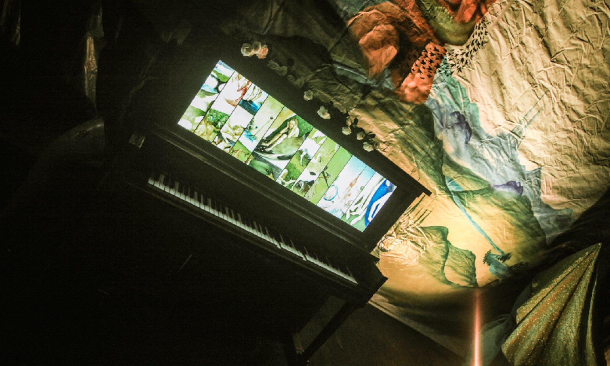 Amelia Mouse Piano